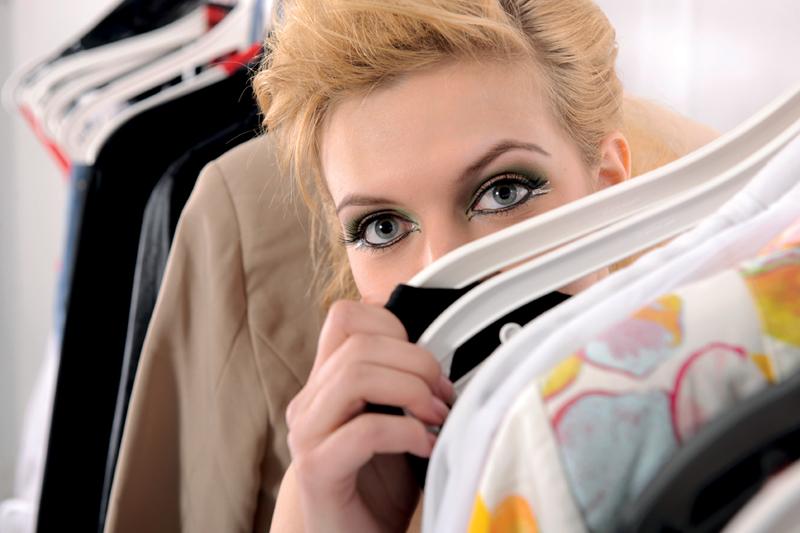 ShopGirl_iStock_000018916290_Full