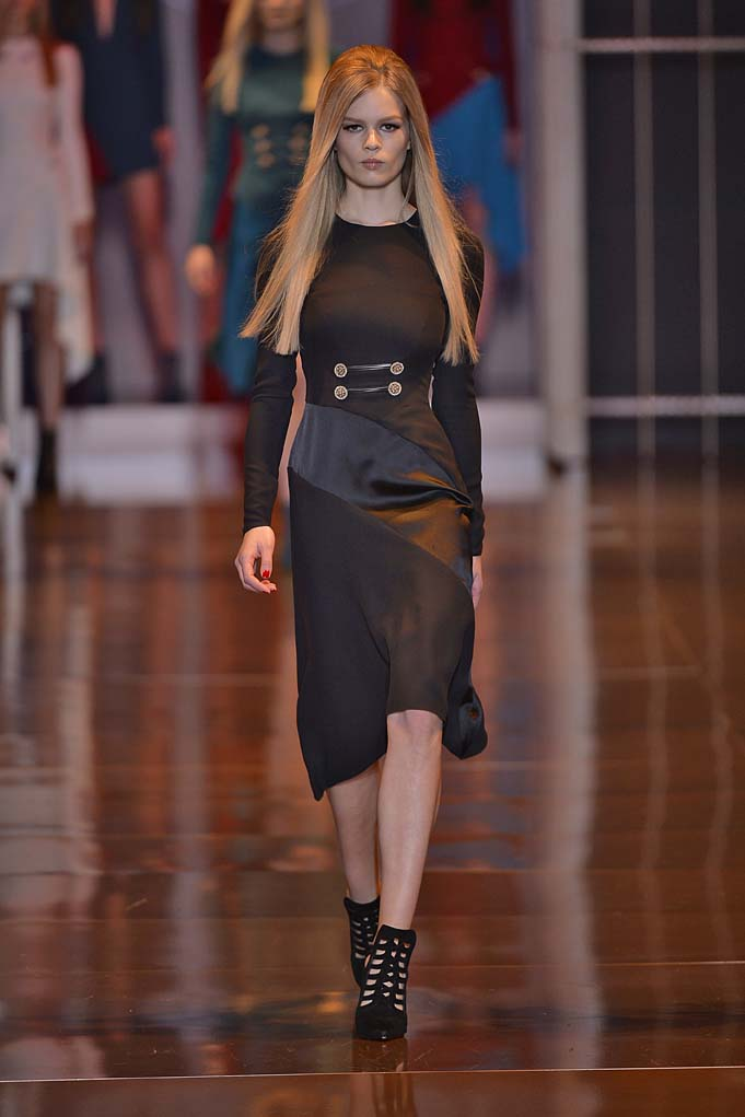 VersaceWomenswear Fall Winter 2014 Milan Fashion Week February 2014