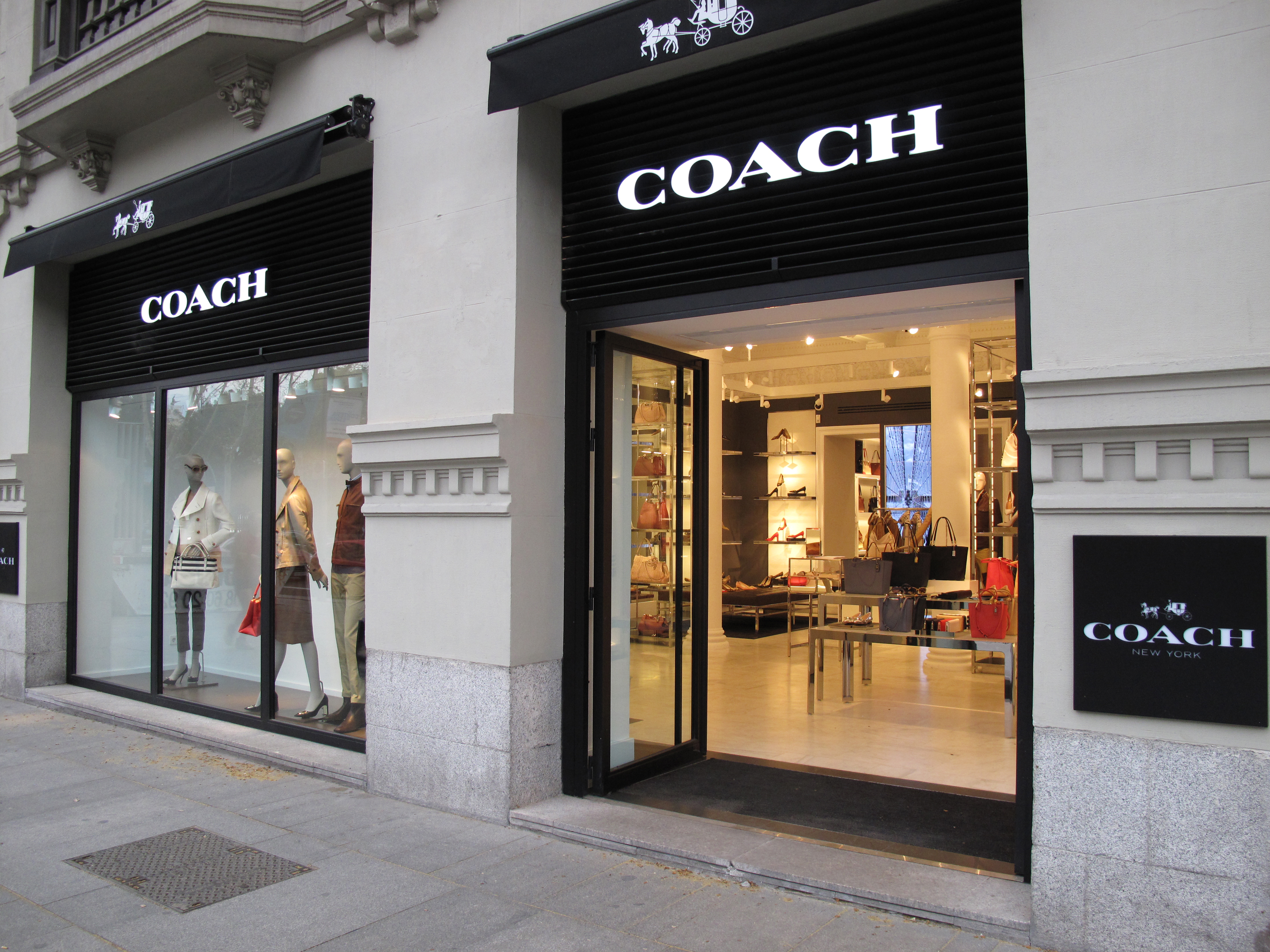 Small Handbags: Coach Outlet Stores Locations