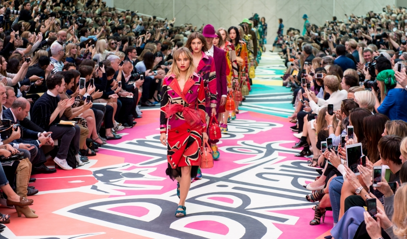 Burberry Prorsum Runway - London Fashion Week SS15