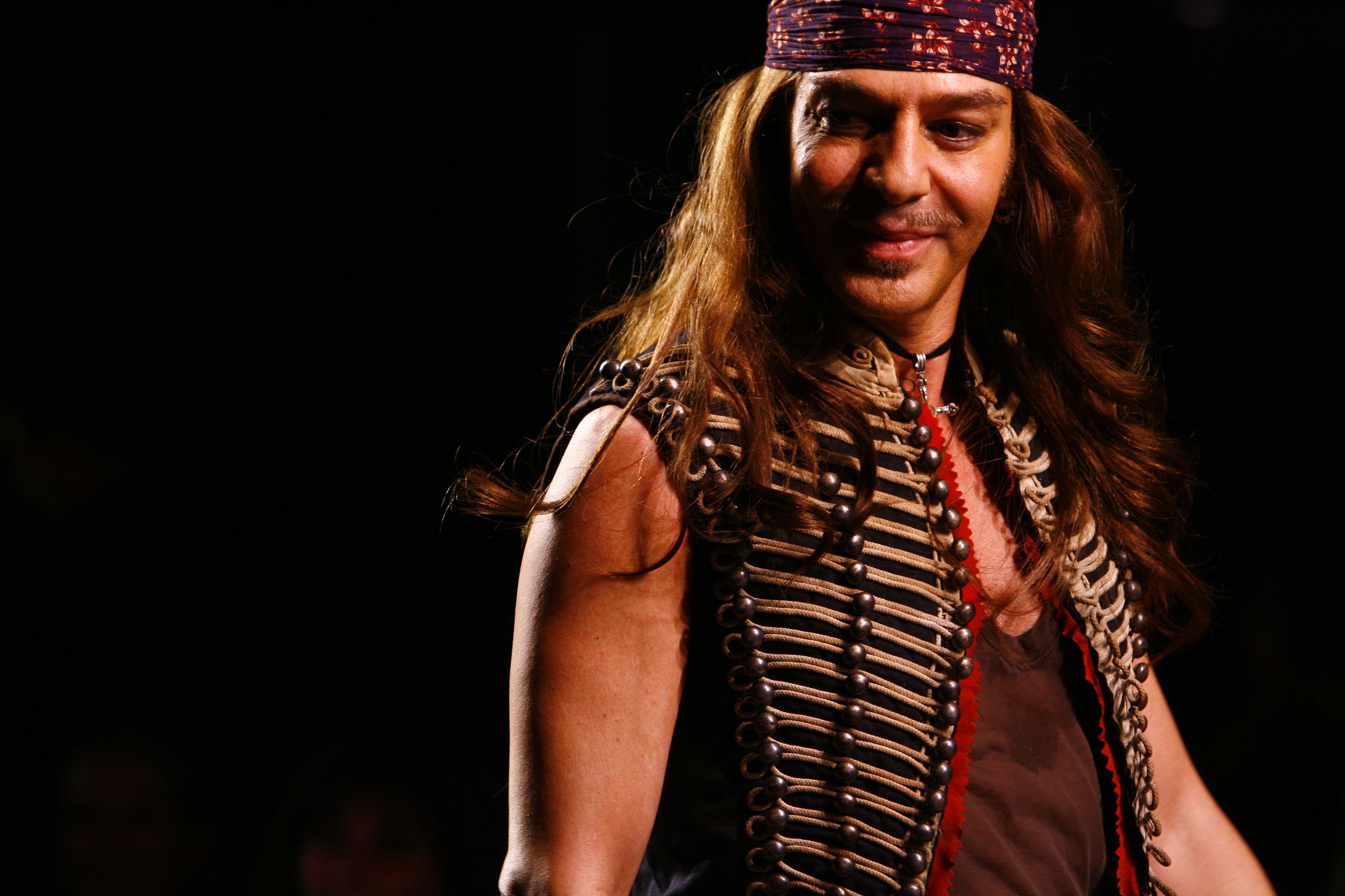 John galliano appointed creative director at maison martin for Galliano margiela