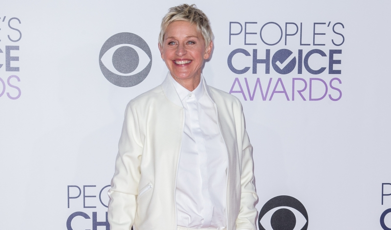 PEOPLE'S CHOICE AWARDS 2015 - ARRIVALS