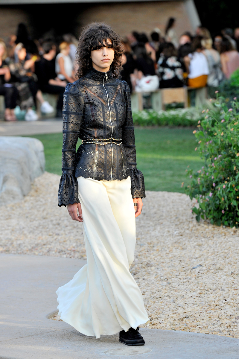 Louis Vuitton Cruise 2016 Resort Collection – Front Row and Show