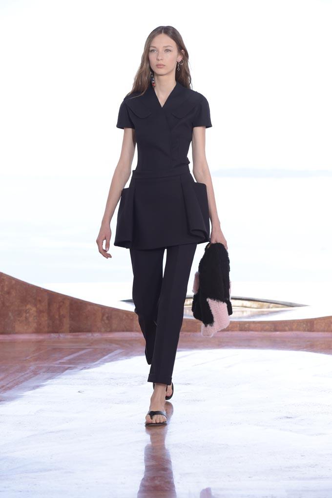 Designer: Dior – Resort 2016 – May 2015 –