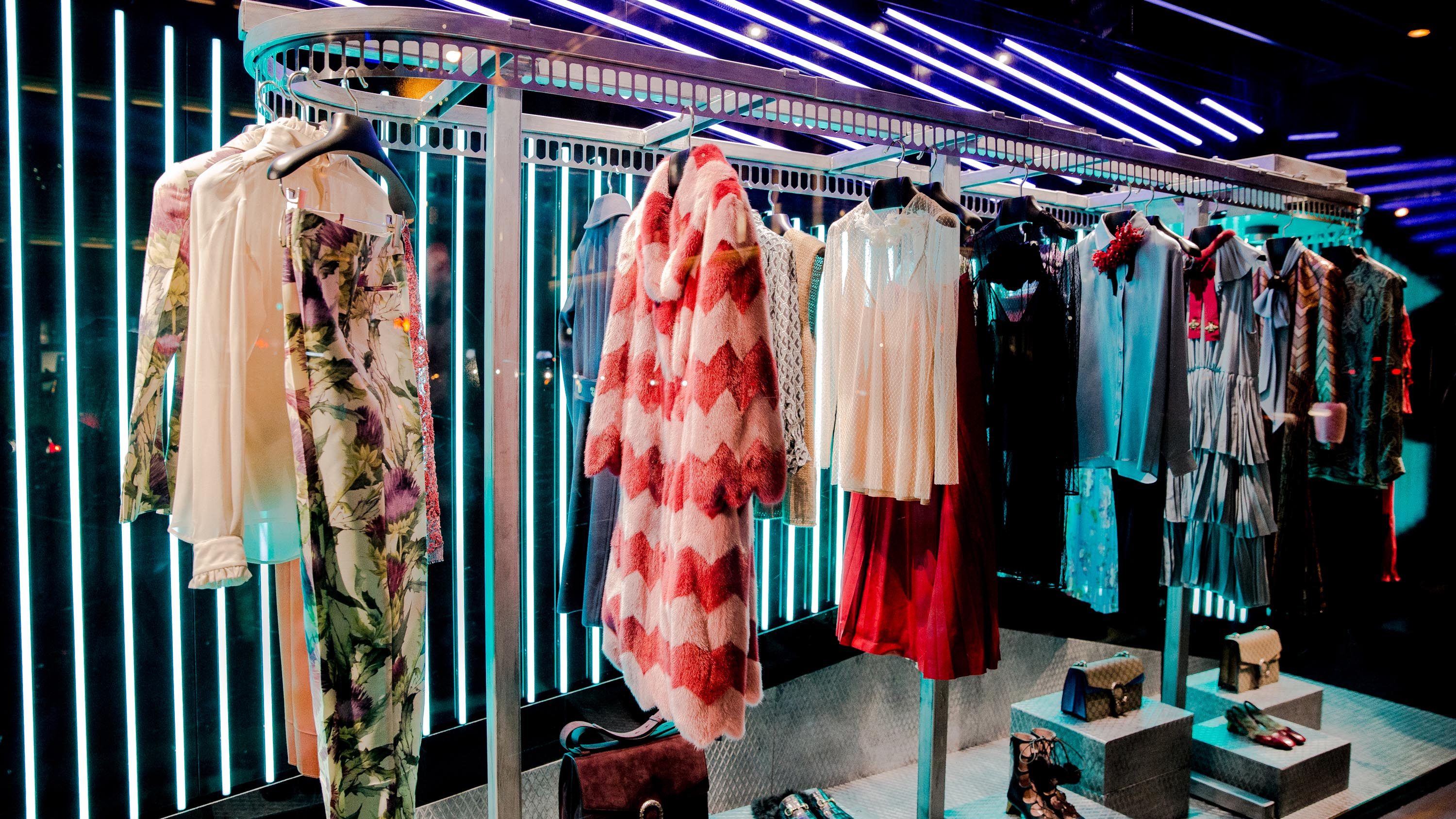 gucci unveils window design for alessandro michele u0026 39 s first collection