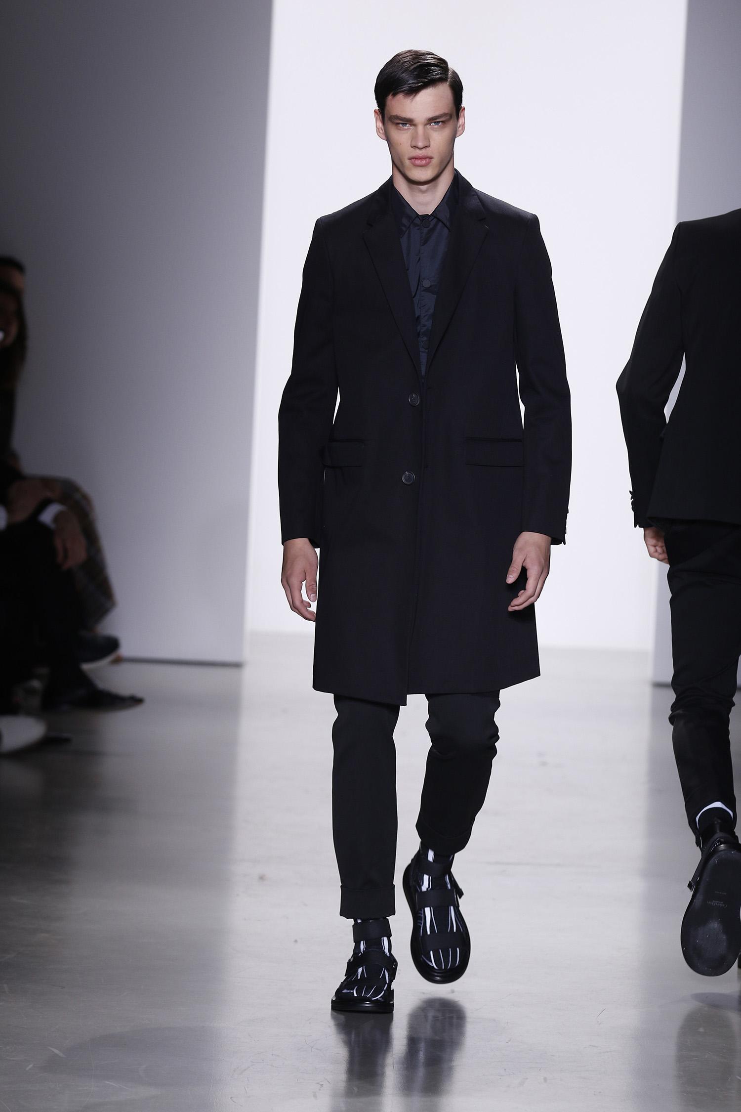 251c58cf50 Italo Zucchelli s Calvin Klein Collection Spring 2016 - Daily Front Row
