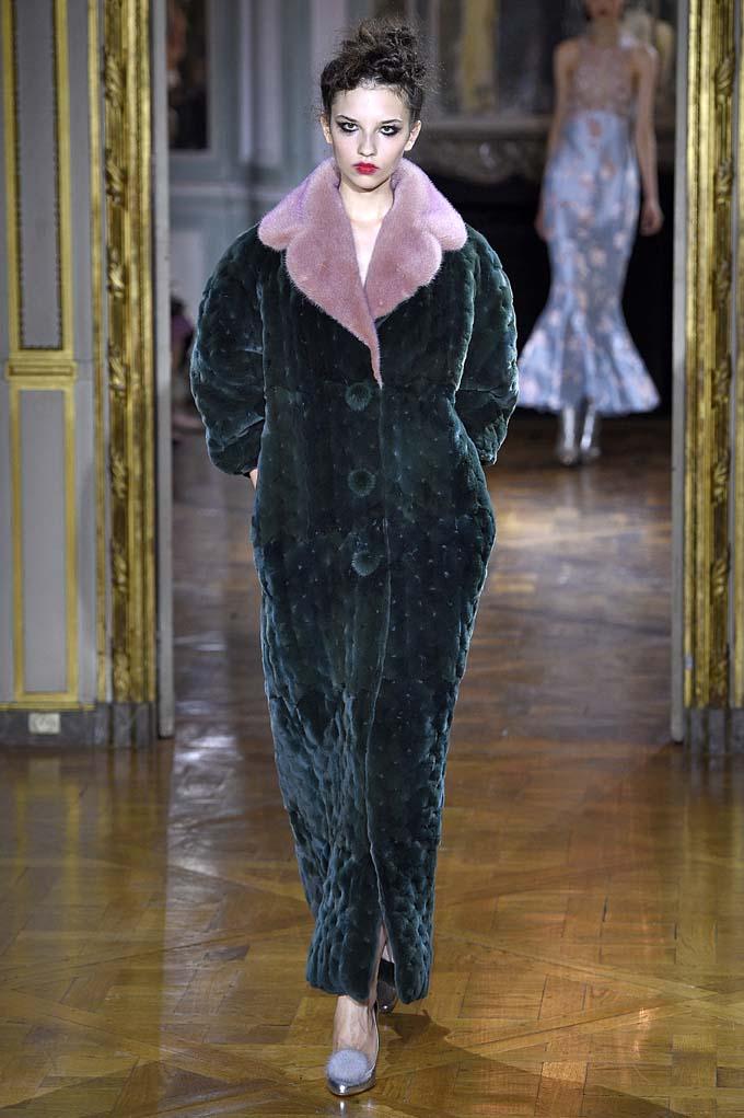 Ulyana SergeenkoParis Haute Couture Fall Winter 2015 July 2015