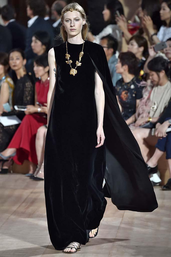 ValentinoRome Haute Couture Fall Winter 2015 – July 2015