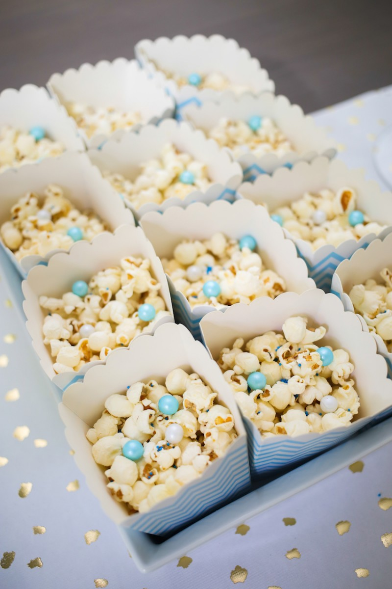 Popcorn-with-Blue-Sprinkles-and-Candies-on-FashionableHostess.com_