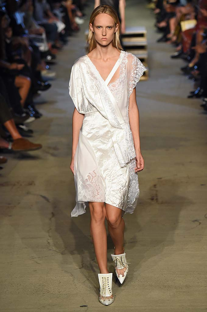 Givenchy New York  Fashion Week RTW Spring Summer 2016 September 2015