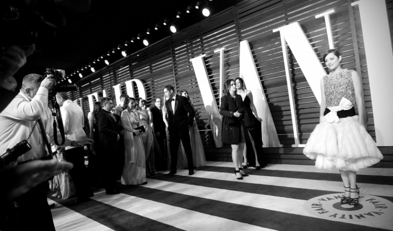 BEVERLY HILLS, CA - FEBRUARY 22:  ( Editors Note: Image processed using digital filters )  Actress Marion Cotillard attends the 2015 Vanity Fair Oscar Party at Wallis Annenberg Center for the Performing Arts on February 22, 2015 in Beverly Hills, California.  (Photo by Jason Kempin/Getty Images)