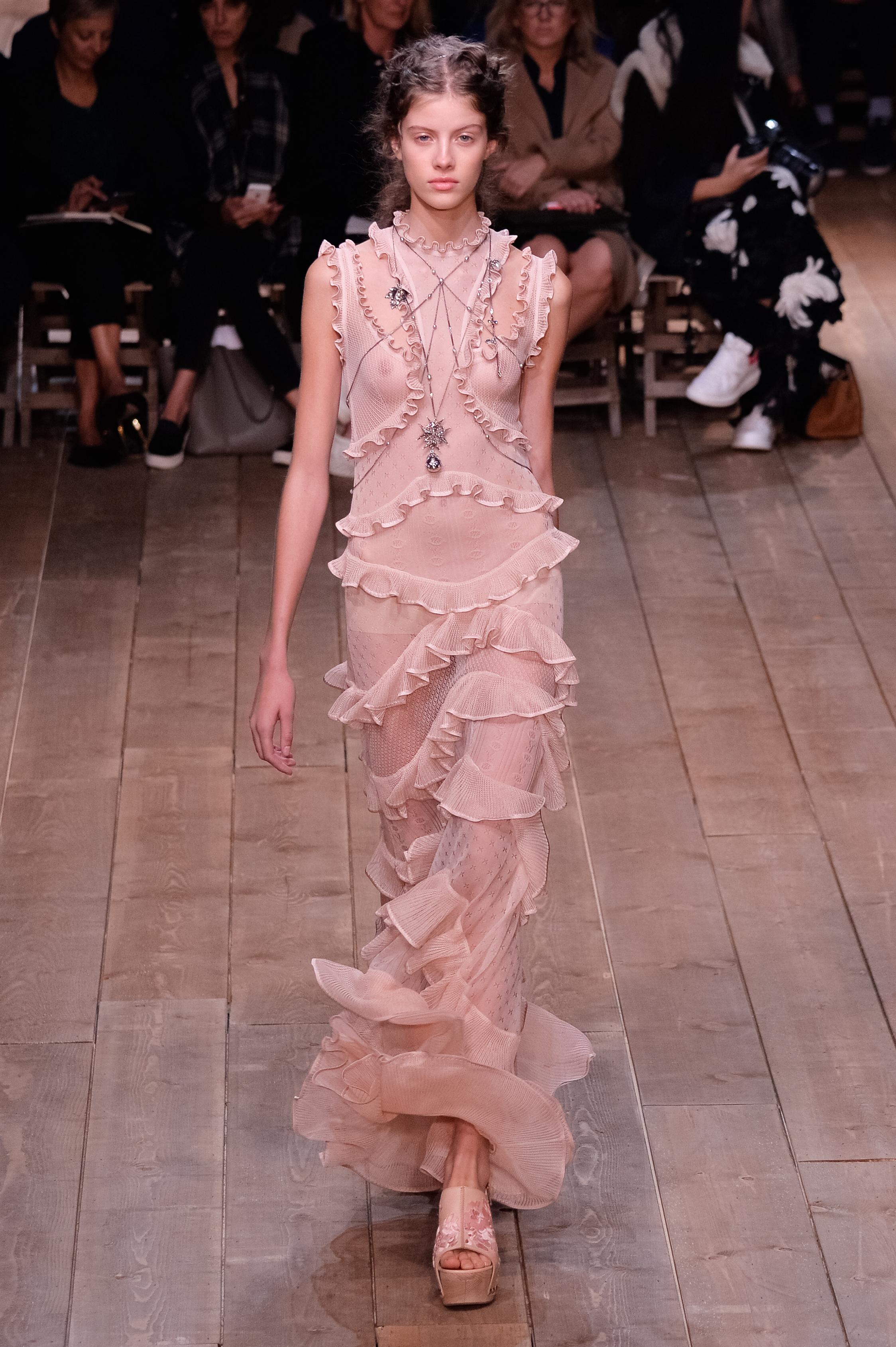 Lujoso Sarah Burton Wedding Dresses Official Website Ideas Ornamento ...