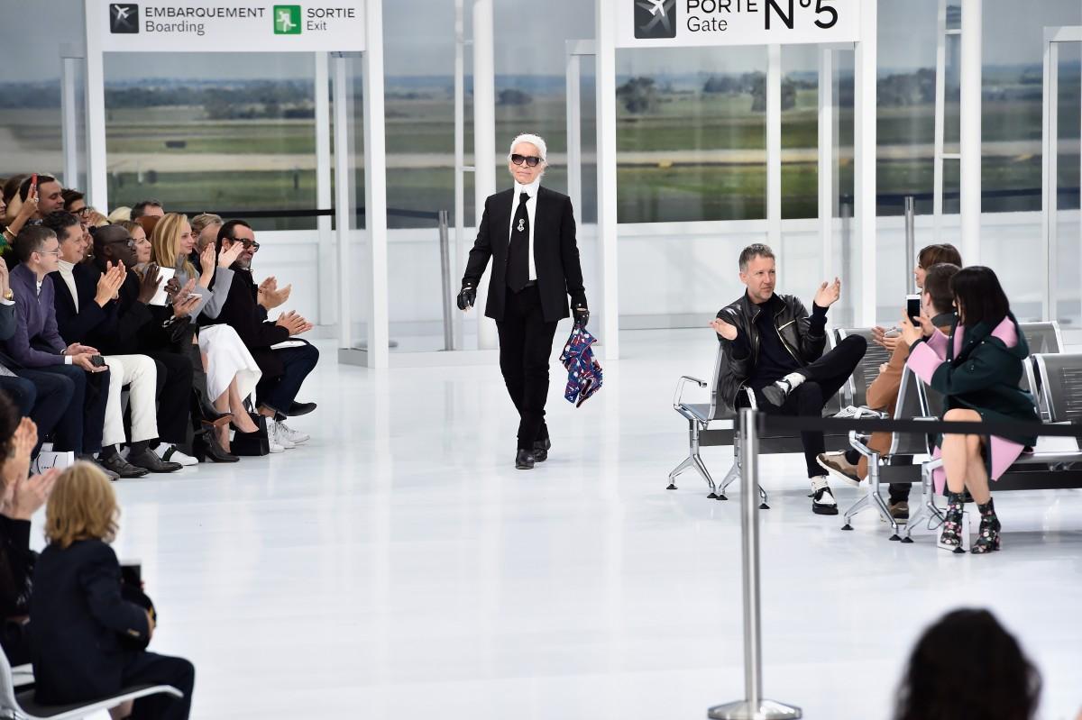 Chanel : Runway – Paris Fashion Week Womenswear Spring/Summer 2016