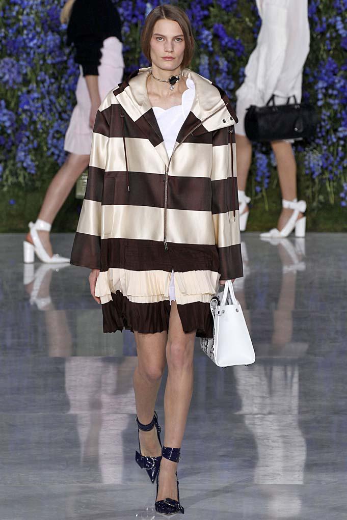 Dior Paris RTW Spring Summer 2016 September-October 2015
