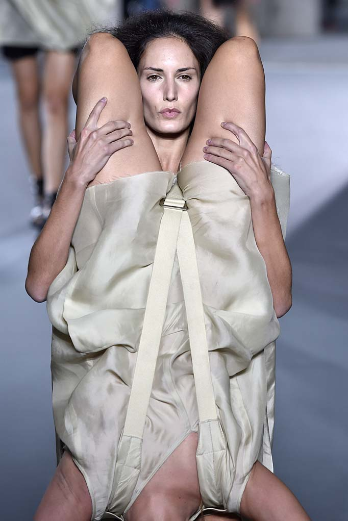 Rick Owens Paris RTW Spring Summer 2016 September-October 2015