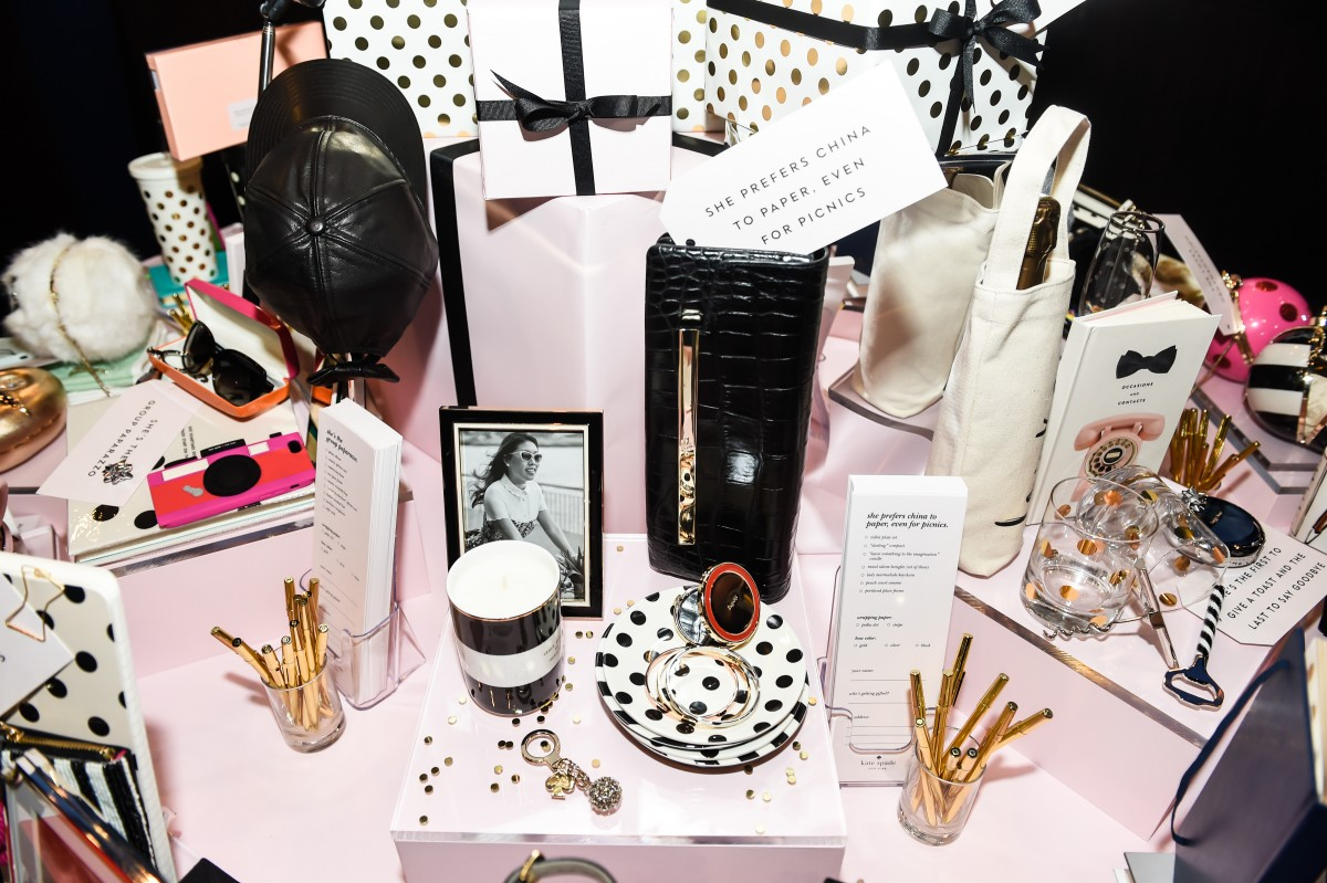 kate spade new york: ALL IN GOOD TASTE HOLIDAY DINNER
