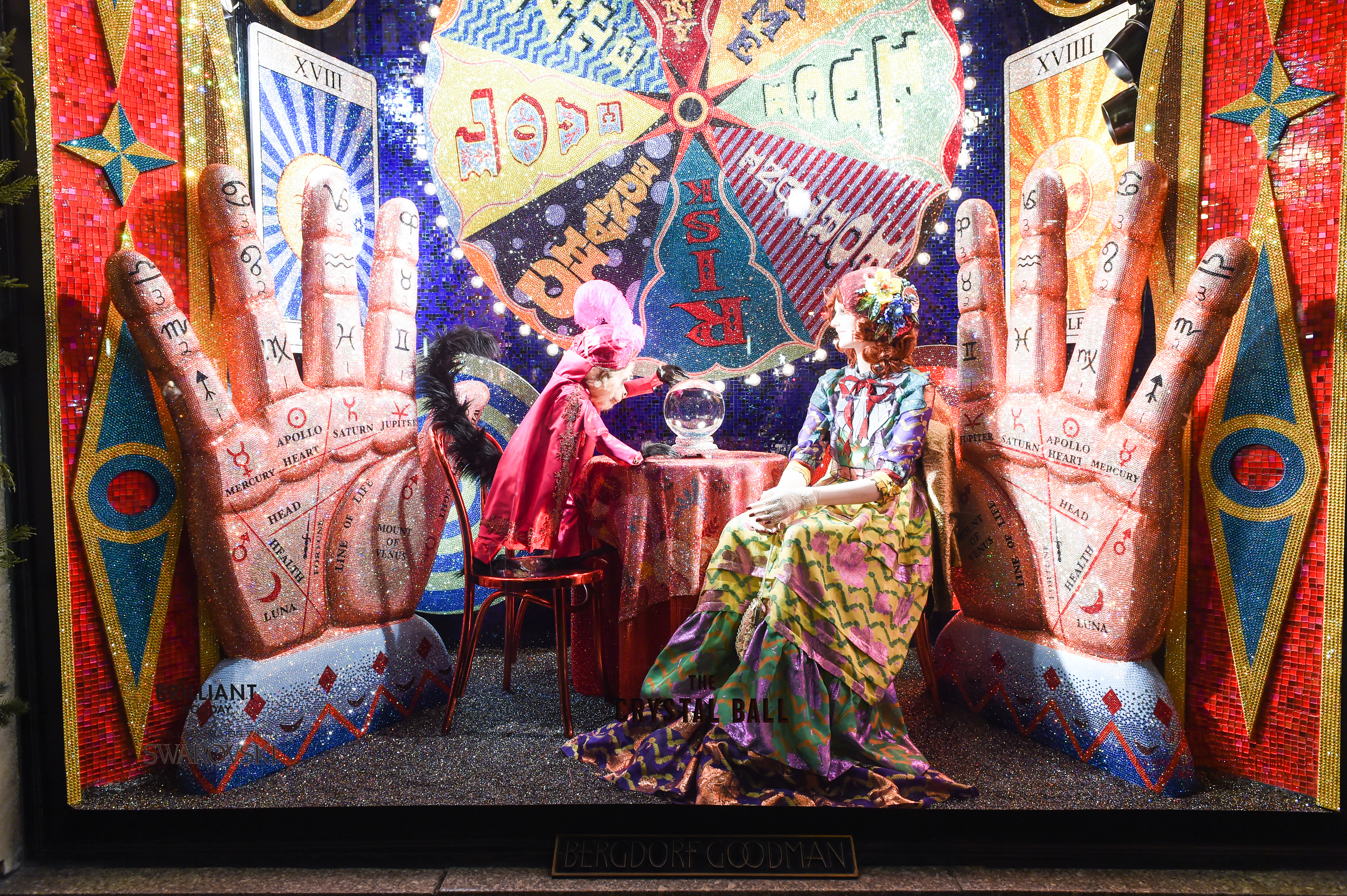 It\'s Here! Bergdorf Goodman Unveils Holiday Windows