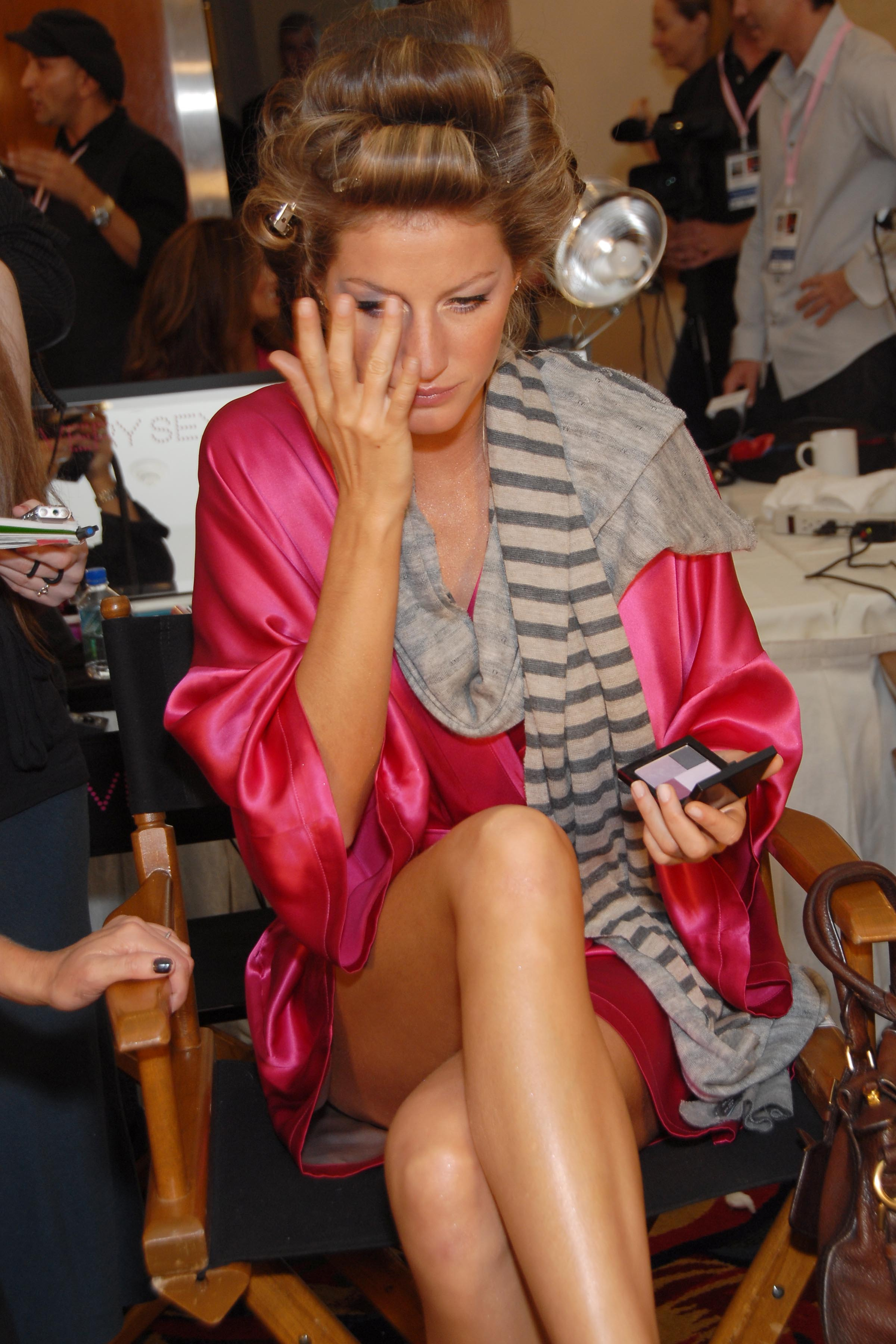 Gisele Bundchen== Victoria Secret Fashion Show - Backstage== Renaissance Hotel, Hollywood, CA== November 16, 2006== ©Patrick McMullan== Photo - Stefanie Keenan/PMc== ==