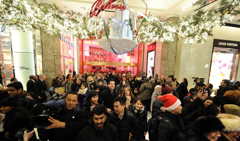 NEW YORK, NY - NOVEMBER 27:  Macy's opens it's doors at 6pm for Black Friday on November 27, 2014 in New York City.  (Photo by Andrew Toth/Getty Images for Hilton Garden Inn)