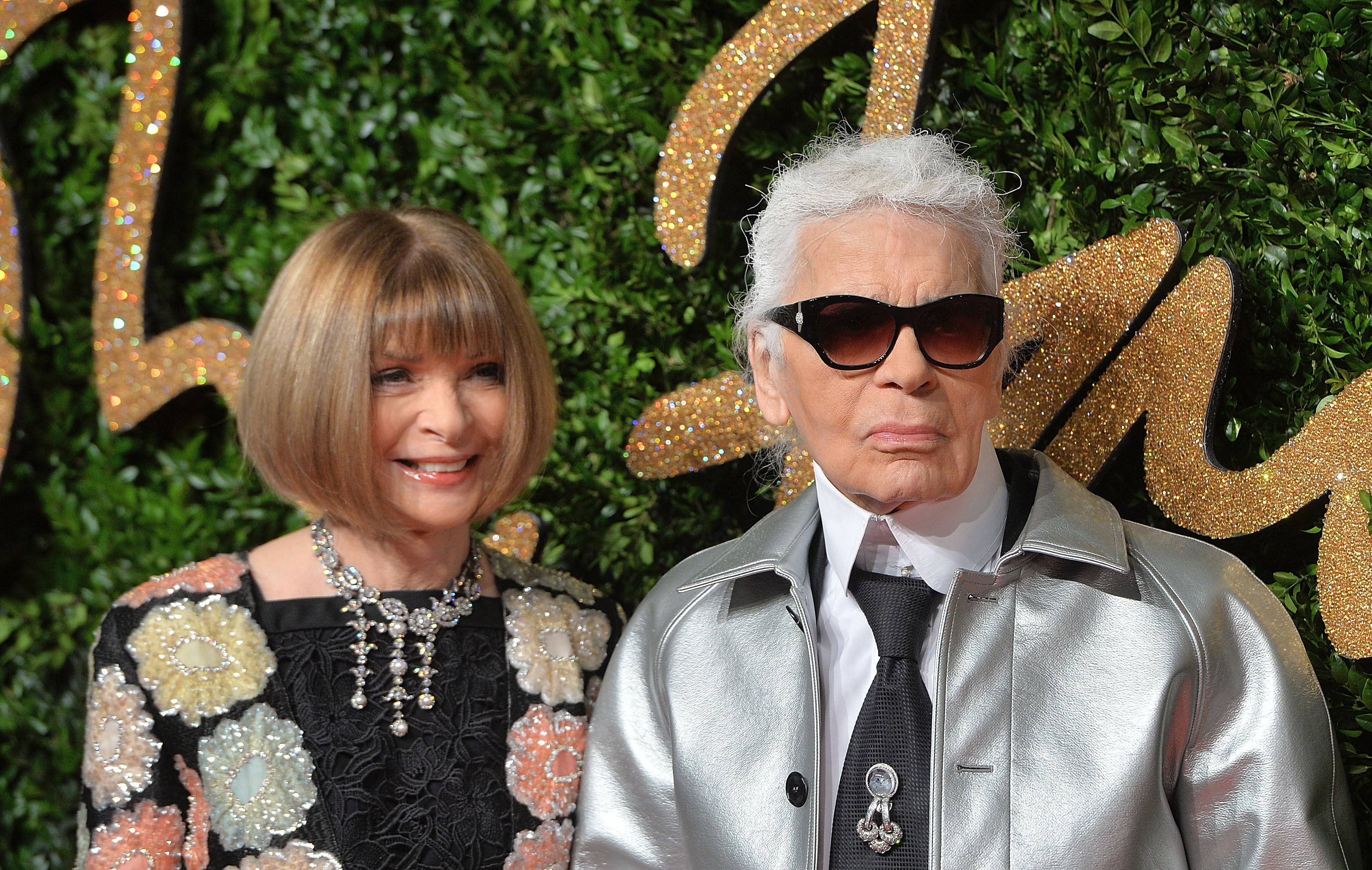 LONDON, ENGLAND - NOVEMBER 23: Anna Wintour and Karl Lagerfeld attend the British Fashion Awards 2015 at London Coliseum on November 23, 2015 in London, England. (Photo by Anthony Harvey/Getty Images)