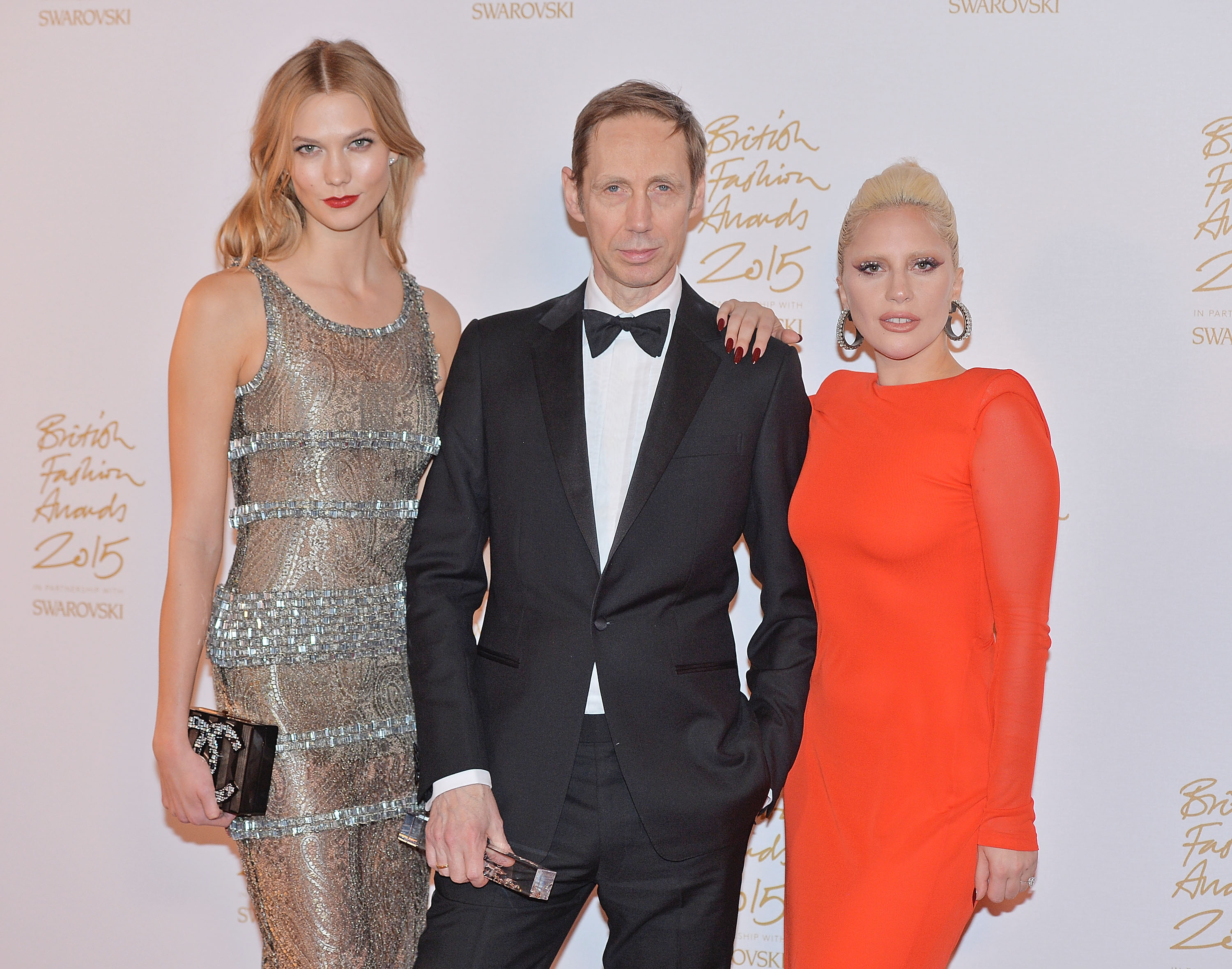 LONDON, ENGLAND - NOVEMBER 23: Karlie Kloss, Nick Knight and Lady Gaga pose in the Winners Room at the British Fashion Awards 2015 at London Coliseum on November 23, 2015 in London, England. (Photo by Anthony Harvey/Getty Images)