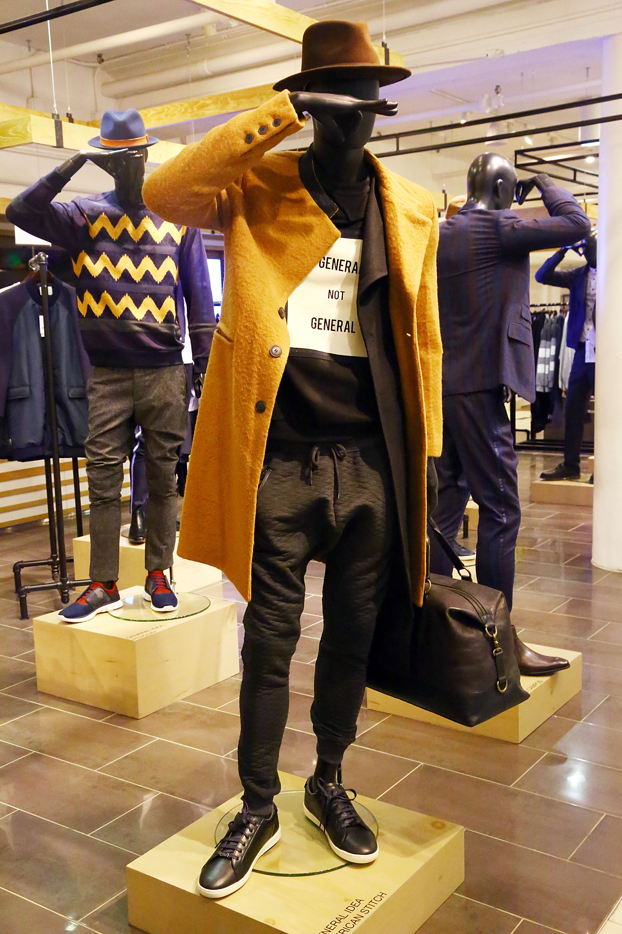 NEW YORK, NY - OCTOBER 08: Atmosphere during the GQ event at Lord & Taylor featuring Rueben Randle on October 8, 2015 in New York City. (Photo by Astrid Stawiarz/Getty Images for Lord & Taylor)