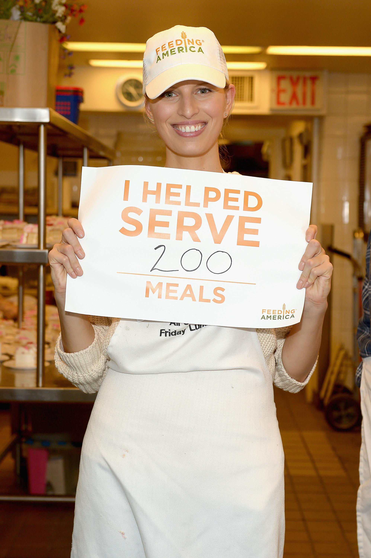 Karolina Kurkova Teams Up with Feeding America - Daily Front Row