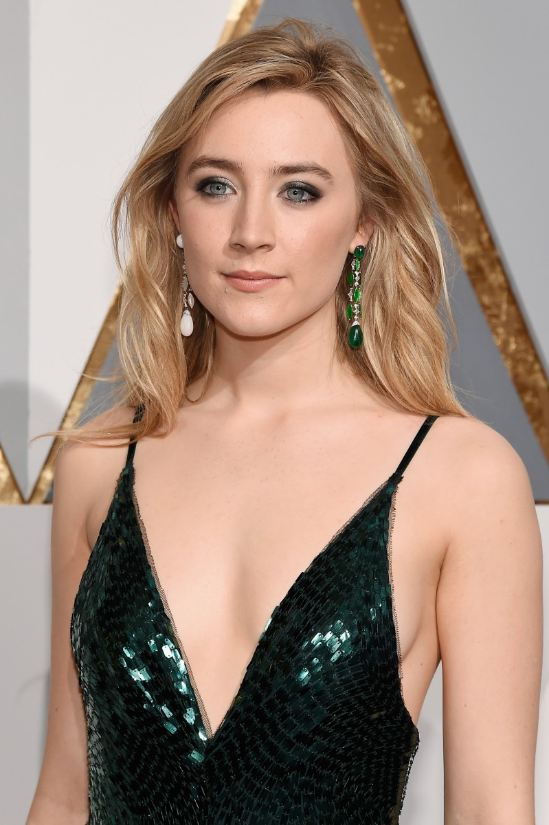 HOLLYWOOD, CA - FEBRUARY 28: Actress Saiorse Ronan attends the 88th Annual Academy Awards at Hollywood & Highland Center on February 28, 2016 in Hollywood, California. (Photo by Kevork Djansezian/Getty Images)