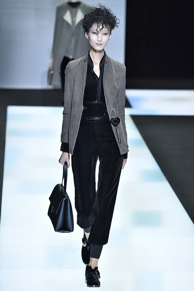 Giorgio Armani Milan RTW Fall Winter 2016 February 2016