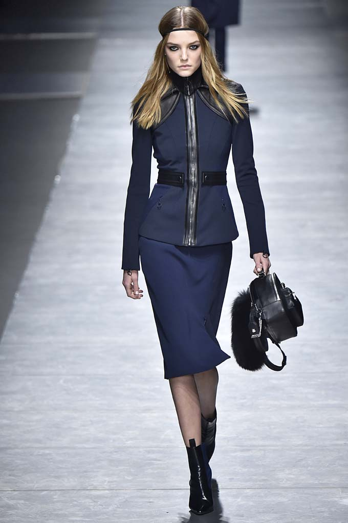 Versace Milan RTW Fall Winter 2016 February 2016