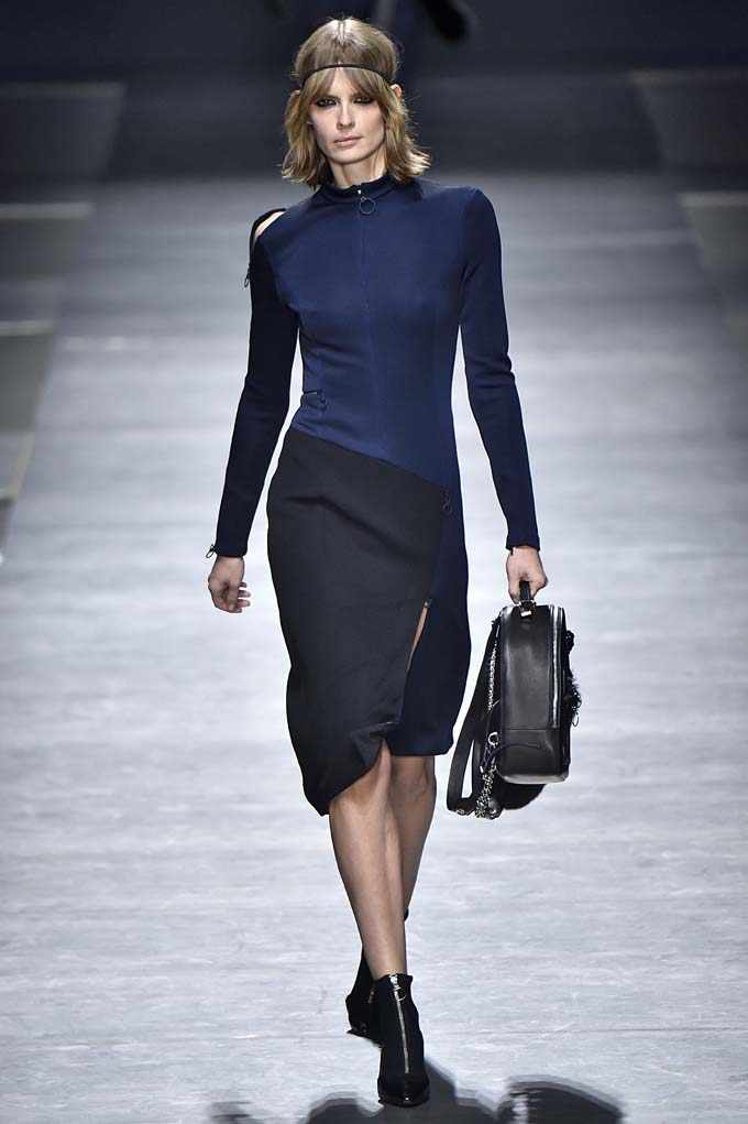 Versace Milan RTW Fall Winter 2016 February 2016