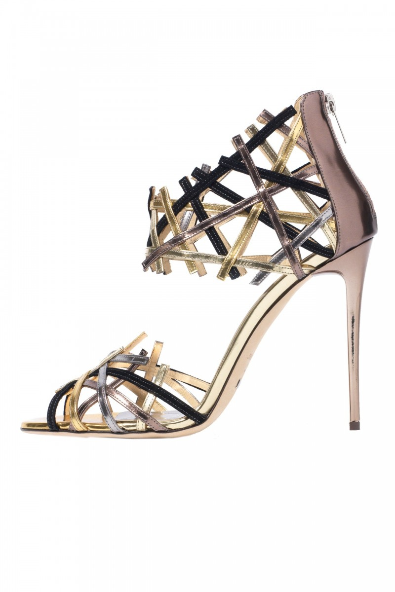 Jimmy-Choo-Heels-Vogue-100-Products-Vogue-3March16_b