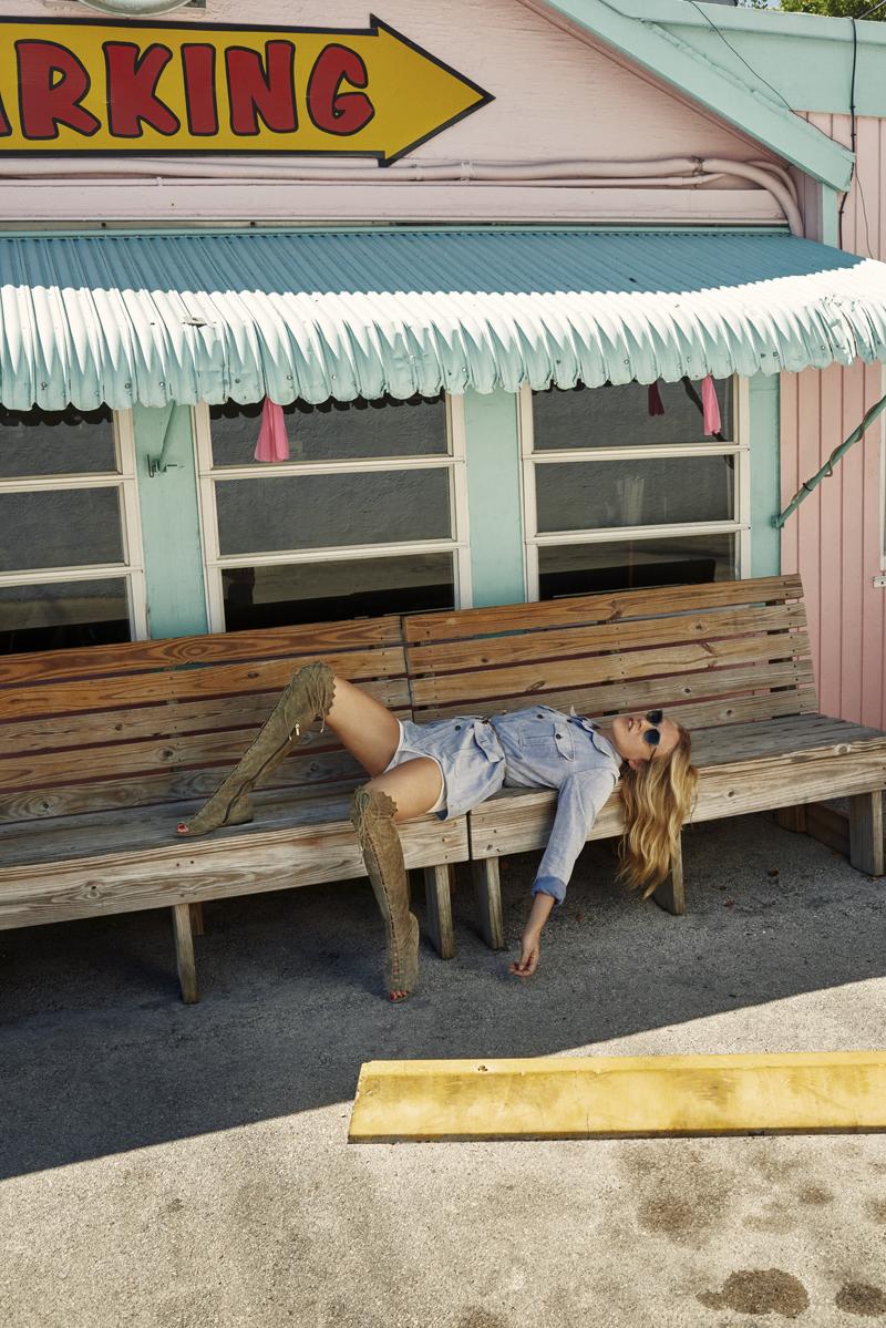 SS16 Stylediary Chloe Sevigny DEXIE FLAT RAFFY 2
