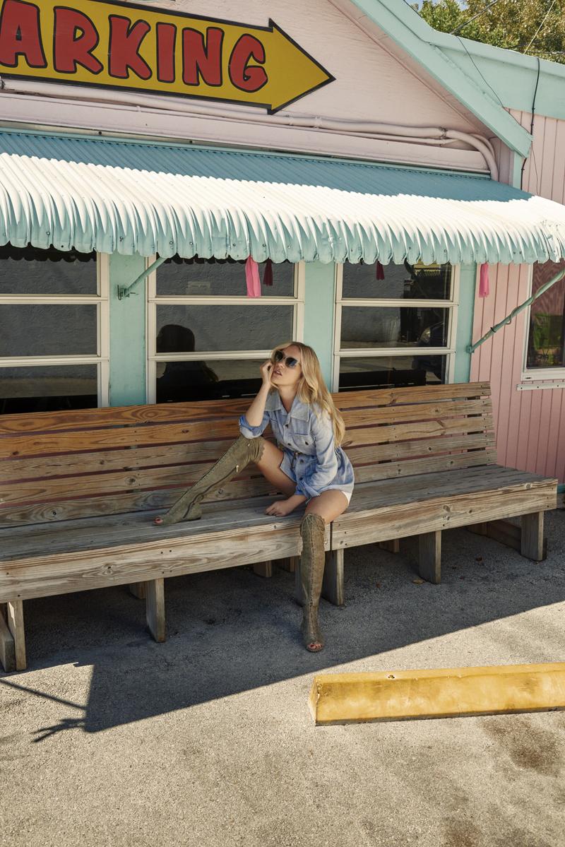 SS16 Stylediary Chloe Sevigny DEXIE FLAT RAFFY 3