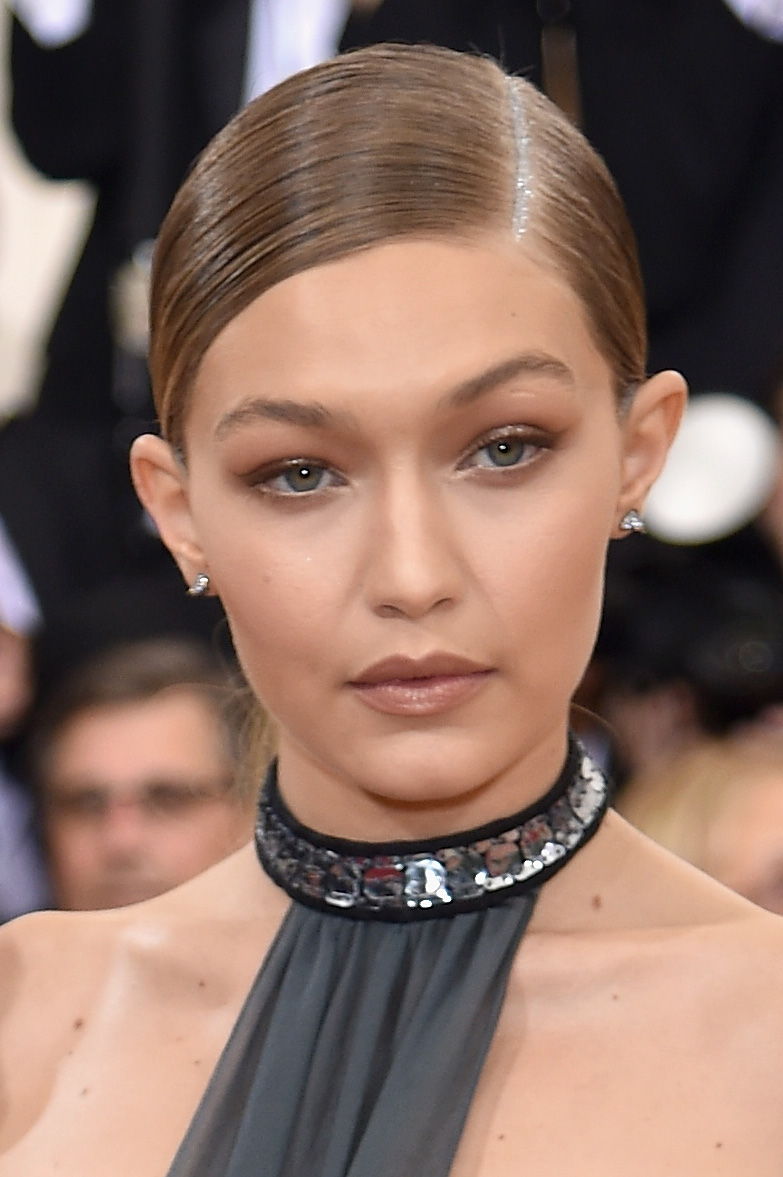 Who S Behind Gigi S Amp Rosie S Met Ball Beauty Looks