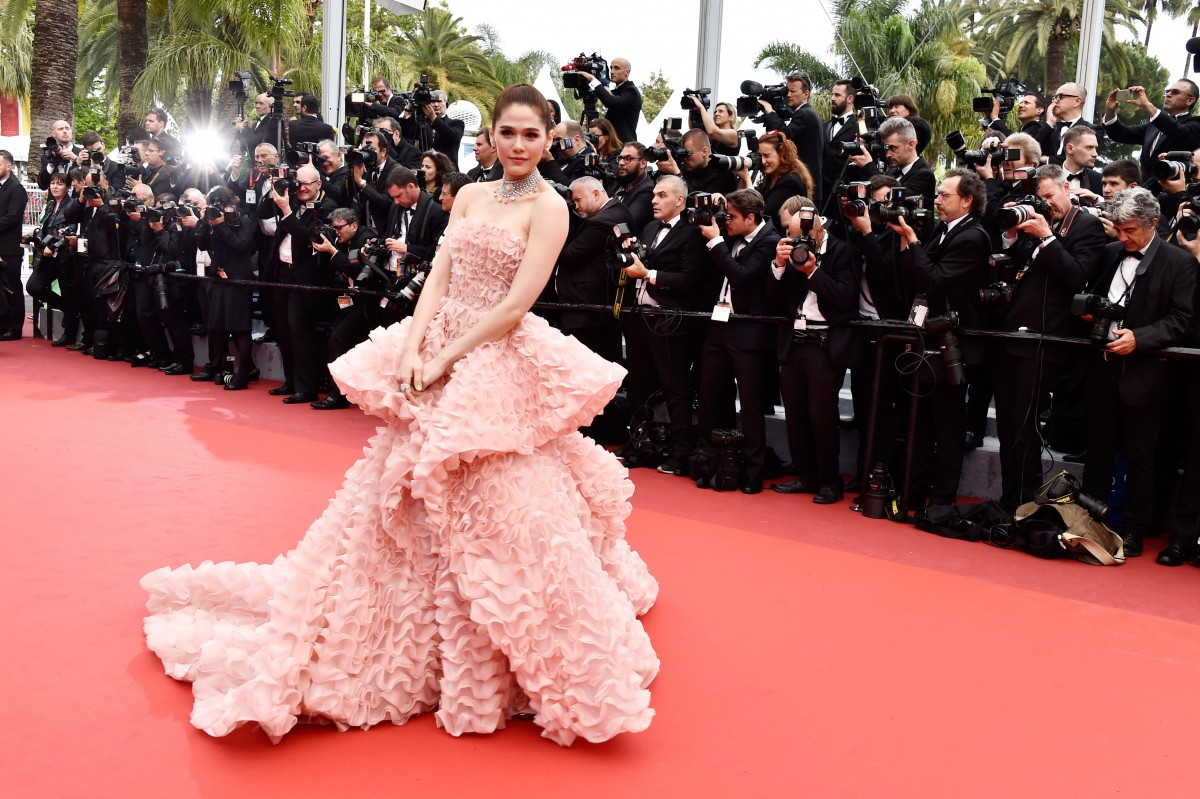 "CANNES, FRANCE - MAY 11: Actress Araya A. Hargate attends the ""Cafe Society"" premiere and the Opening Night Gala during the 69th annual Cannes Film Festival at the Palais des Festivals on May 11, 2016 in Cannes, France. (Photo by Pascal Le Segretain/Getty Images)"
