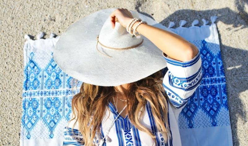 Elina Lebessi Top & Towel