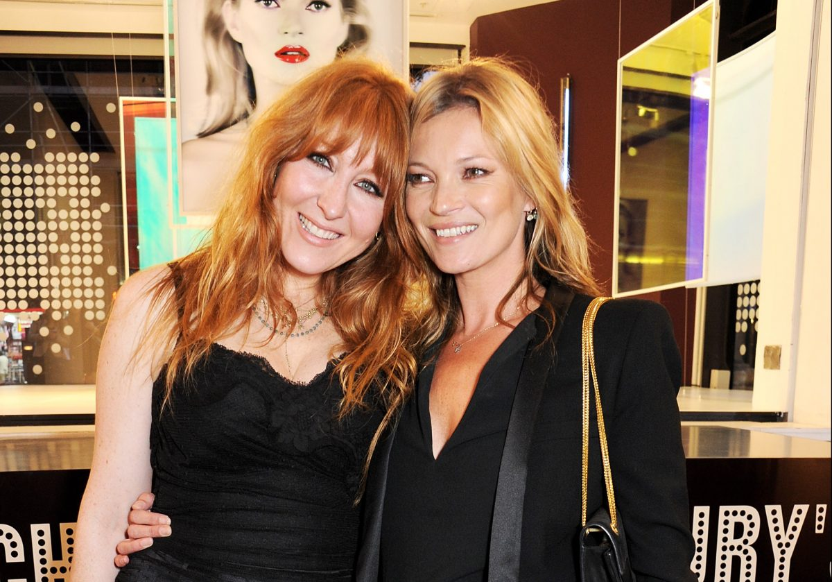 LONDON, ENGLAND - JUNE 17: (EMBARGOED FOR PUBLICATION IN UK TABLOID NEWSPAPERS UNTIL 48 HOURS AFTER CREATE DATE AND TIME. MANDATORY CREDIT PHOTO BY DAVE M. BENETT/GETTY IMAGES REQUIRED) Charlotte Tilbury (L) and Kate Moss pose at a photocall to unveil a new portrait by artist Chris Levine during the launch of 'Charlotte Tilbury's Make-Up House Of Rock n'Kohl' at Selfridges on June 17, 2013 in London, England. (Photo by Dave M. Benett/Getty Images)