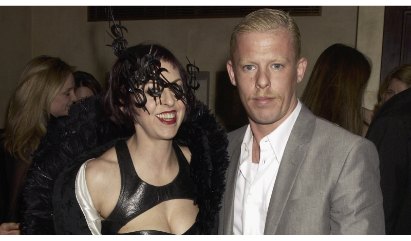 LONDON - MARCH 19:  Designer Alexander McQueen and Isabella Blow attend the Tatler dinner at Floriana, at the Beauchamp place on March 19, 2003. (Photos by Dave Benett)