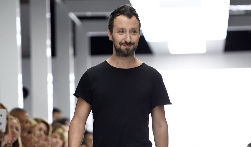 LONDON, ENGLAND - SEPTEMBER 19:  Creative director Anthony Vaccarello appears at on the runway at the Versus show during London Fashion Week Spring/Summer 2016 on September 19, 2015 in London, England.  (Photo by Ian Gavan/Getty Images)