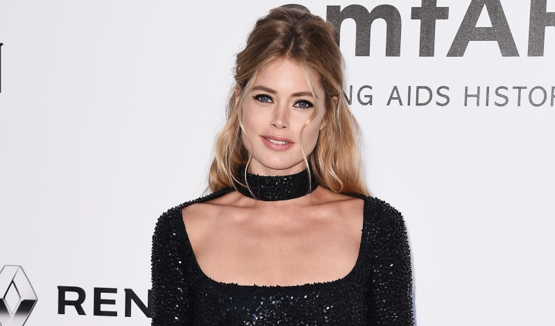 CAP D'ANTIBES, FRANCE - MAY 19:  Doutzen Kroes arrives at amfAR's 23rd Cinema Against AIDS Gala at Hotel du Cap-Eden-Roc on May 19, 2016 in Cap d'Antibes, France.  (Photo by Ian Gavan/Getty Images)