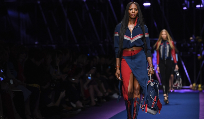 MILAN, ITALY - SEPTEMBER 23:  Model Naomi Campbell walks the runway at the Versace show during Milan Fashion Week Spring/Summer 2017 on September 23, 2016 in Milan, Italy.  (Photo by Venturelli/WireImage)