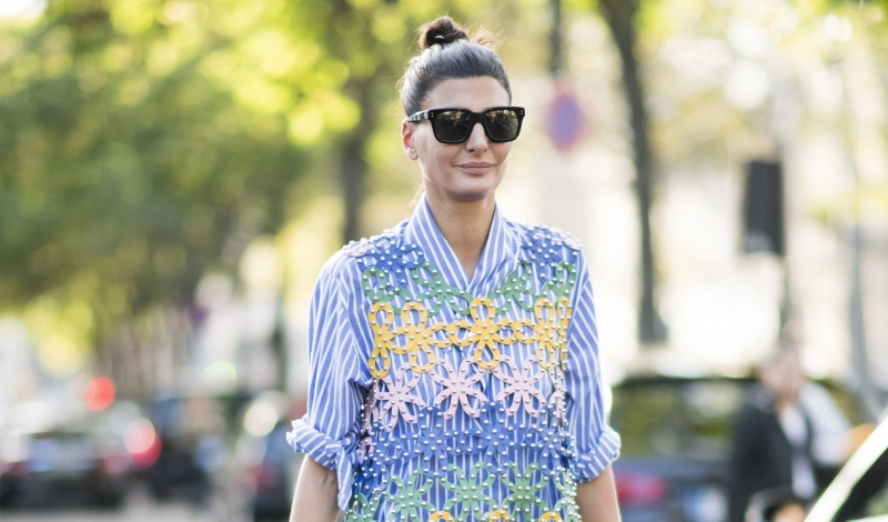 PARIS, FRANCE - SEPTEMBER 28:  Giovanna Battaglia seen during Paris Fashion Week Spring/Summer 2017  in the streets of Paris on September 28, 2016 in Paris, France.  (Photo by Timur Emek/Getty Images)