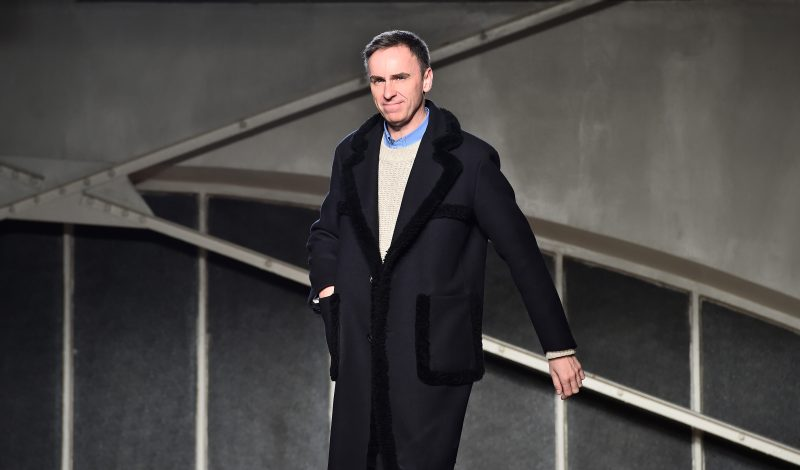 PARIS, FRANCE - JANUARY 20: Designer Raf Simons walks the runway during the Raf Simons Menswear Fall/Winter 2016-2017 show as part of Paris Fashion Week on January 20, 2016 in Paris, France.  (Photo by Pascal Le Segretain/Getty Images)