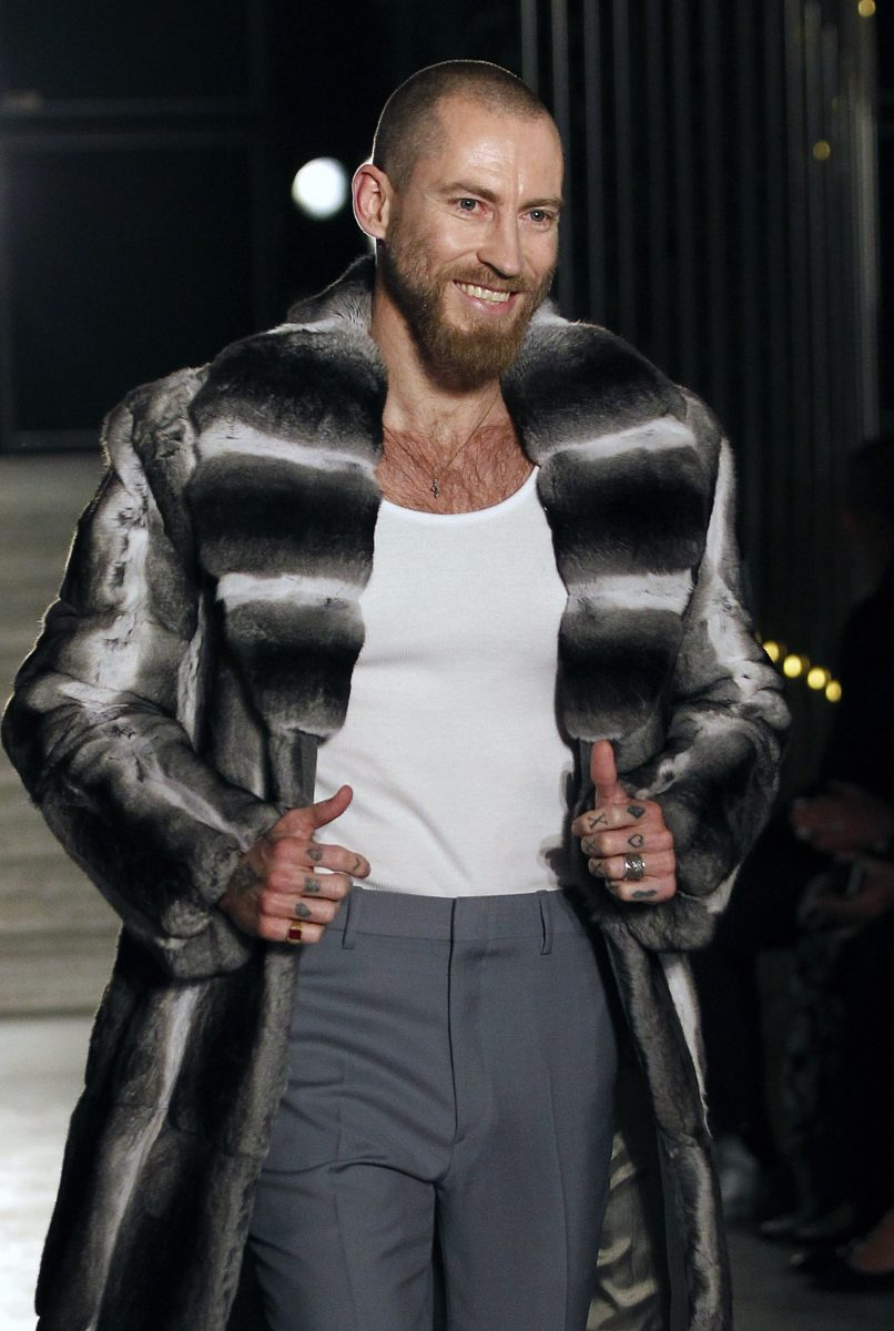PARIS, FRANCE - JULY 04: Fashion designer Justin O'Shea walks the runway at the end of the Brioni Haute Couture Fall/Winter 2016-2017 show as part of Paris Fashion Week on July 4, 2016 in Paris, France. (Photo by Thierry Chesnot/Getty Images)