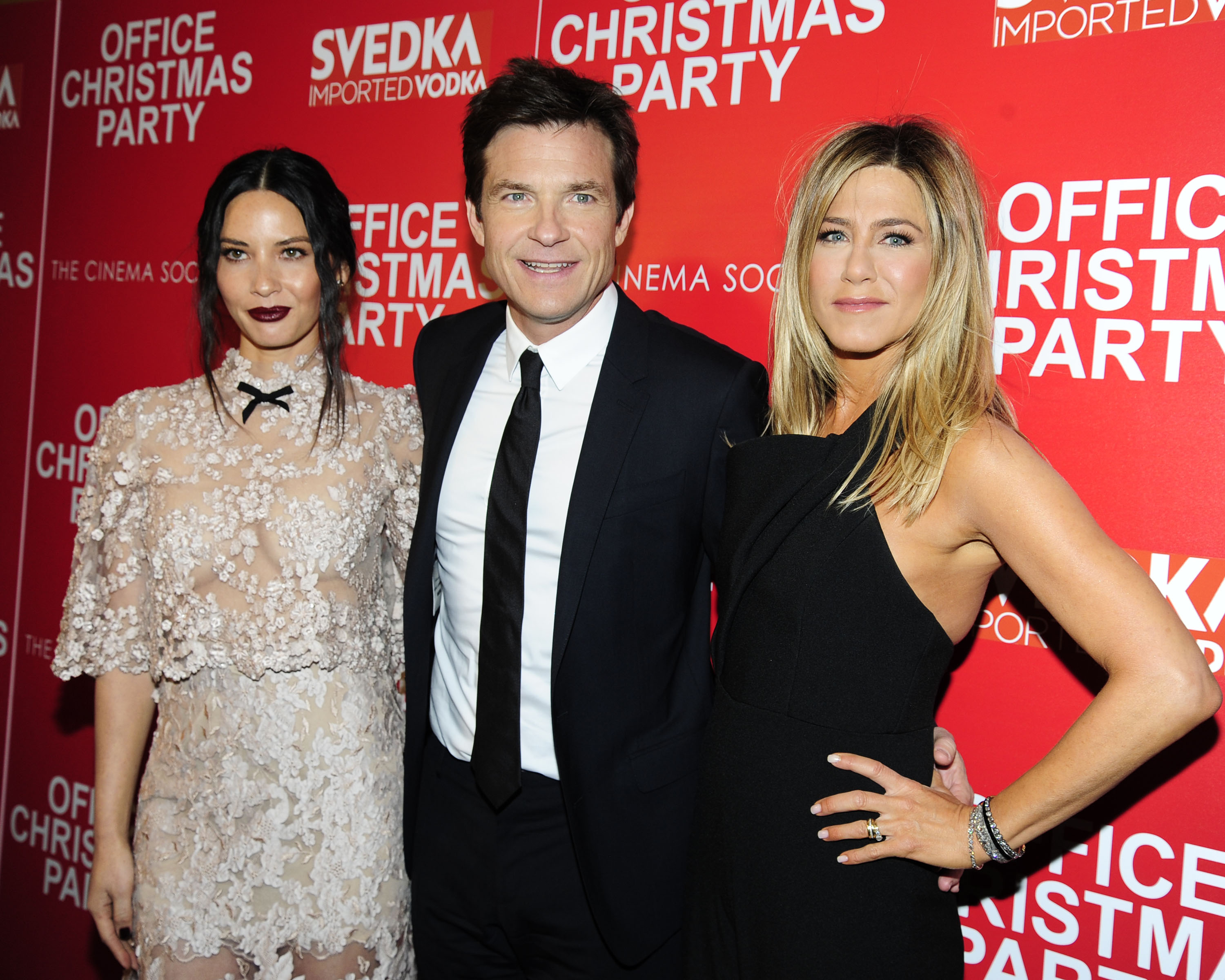 Jennifer Aniston! Olivia Munn! The Cast Celebrates \