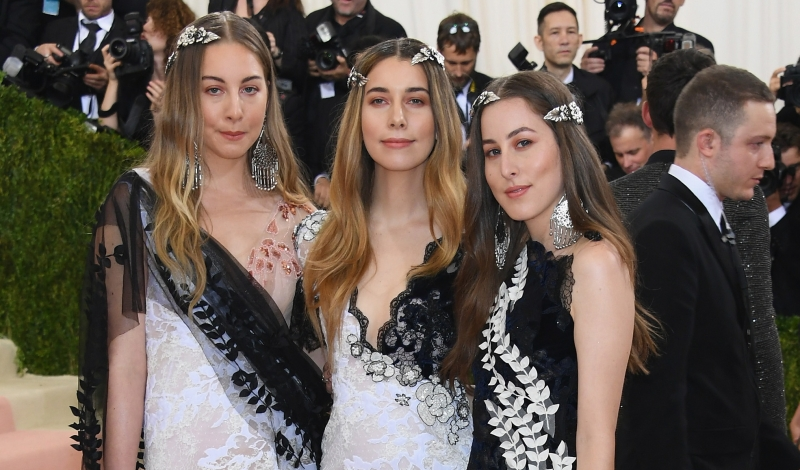"NEW YORK, NY - MAY 02:  Haim attends the ""Manus x Machina: Fashion In An Age Of Technology"" Costume Institute Gala at Metropolitan Museum of Art on May 2, 2016 in New York City.  (Photo by Larry Busacca/Getty Images)"