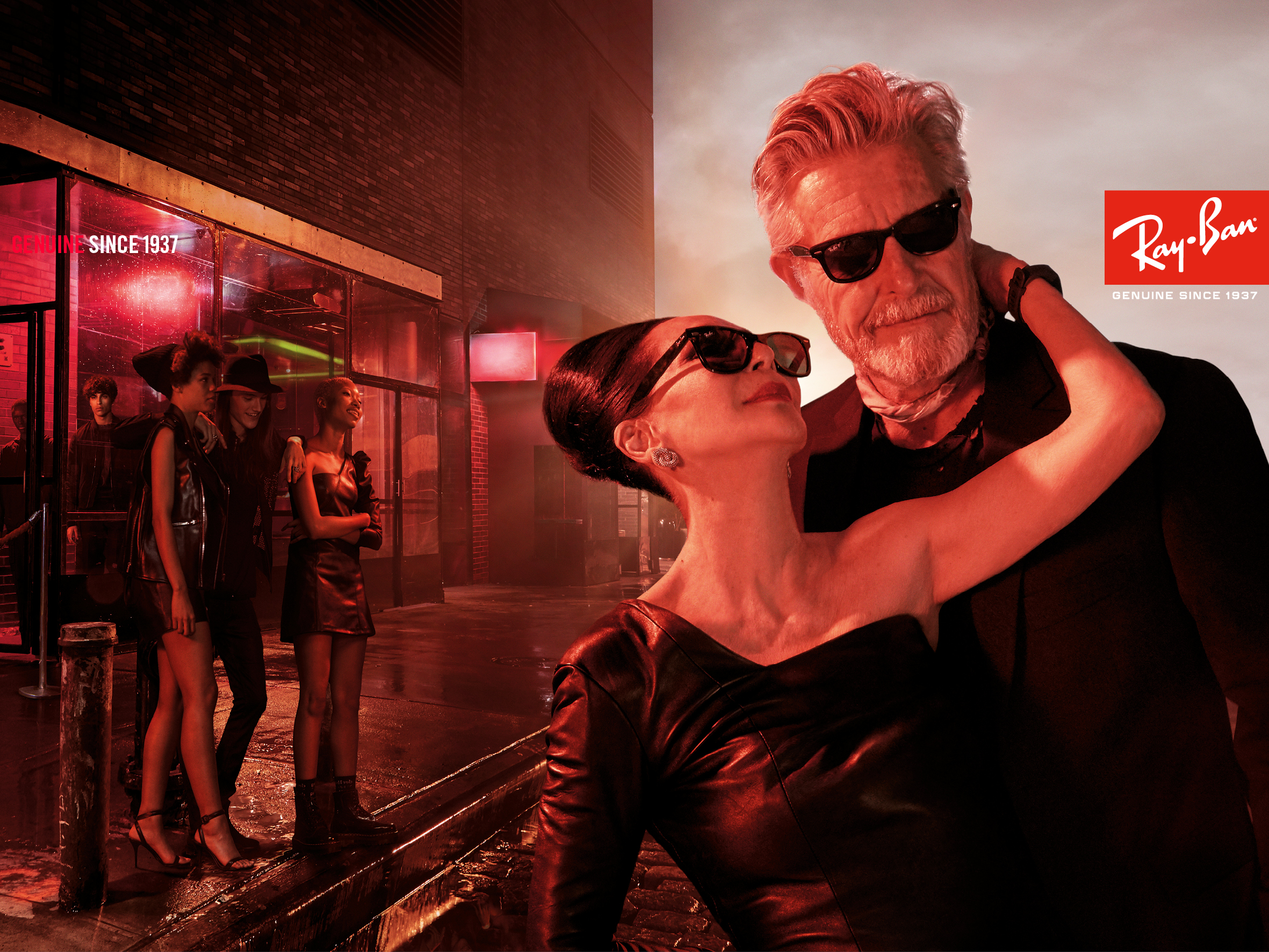 """f6d988ddb6 ... doing this campaign was that it felt authentic in the sense that  whoever wears Ray-Ban takes on their own identity and the glasses do not  wear them."""""""