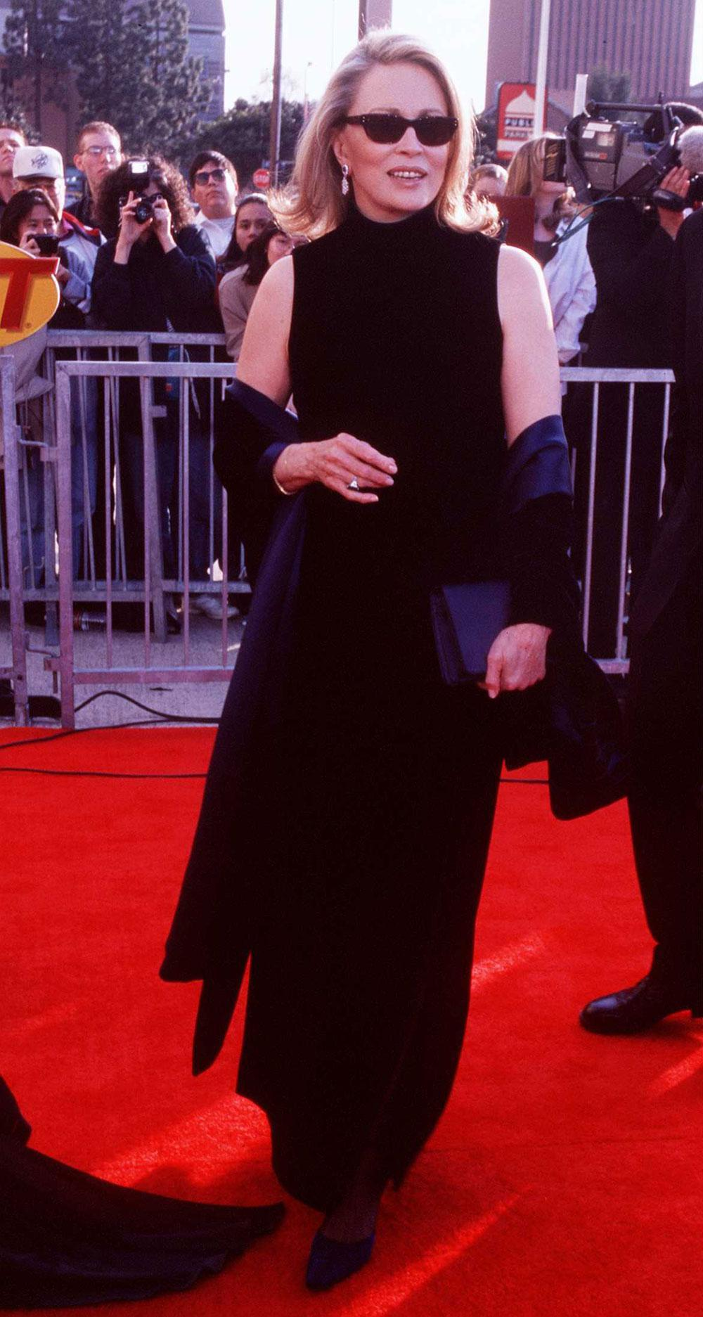 Wtf Was Happening On The Red Carpet At The 1998 Sag Awards