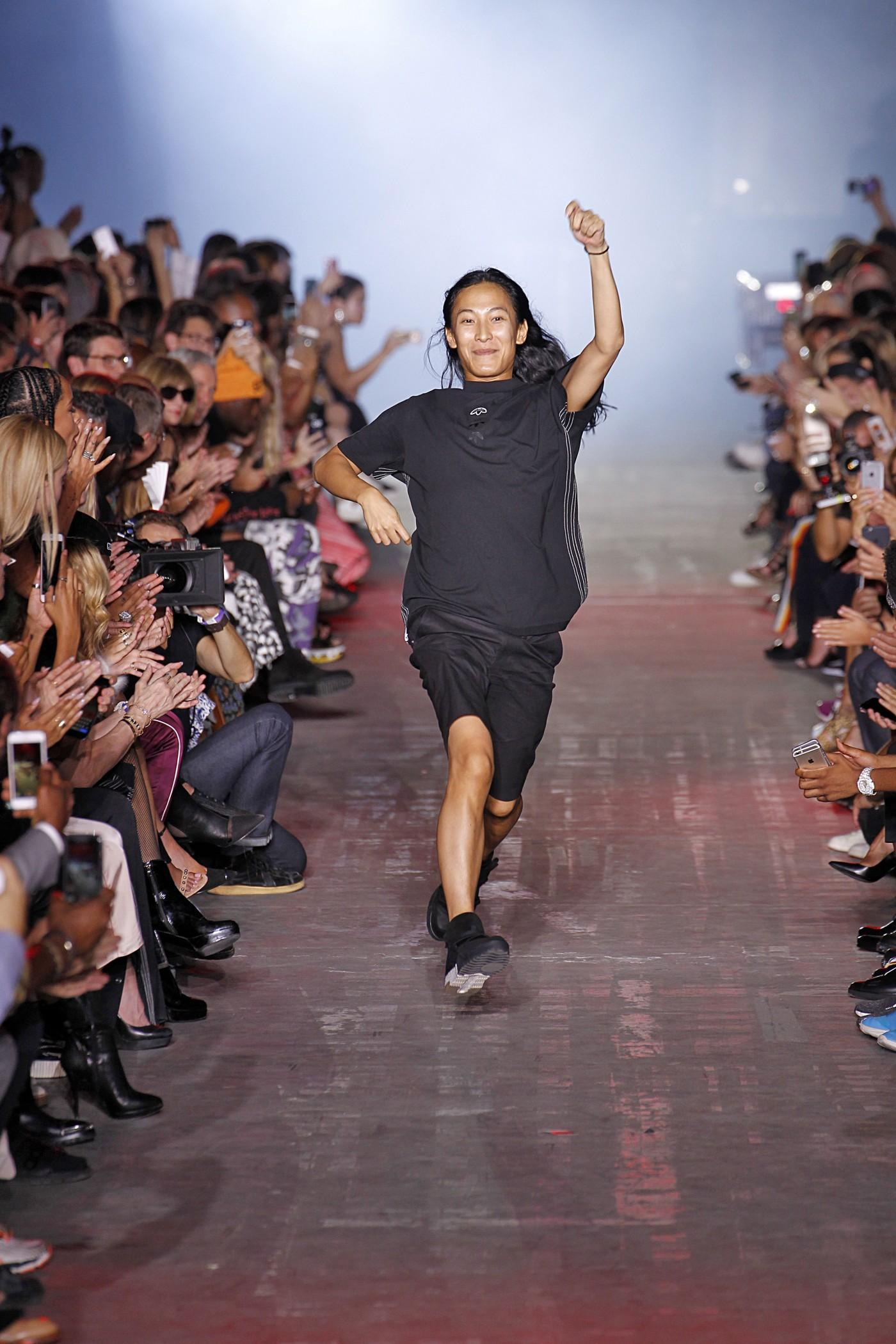 Fashion style Buzz link alexander wang for girls